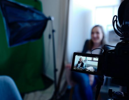video-studio-for-lead-generation-with-green-screen